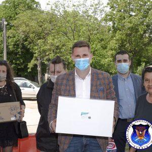 POSETA I POMOĆ PORODICAMA U KRNJAČI SA PREDSEDNIKOM GO PALILULA 06.05.2020.
